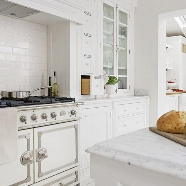 Kitchen-with-cream-range