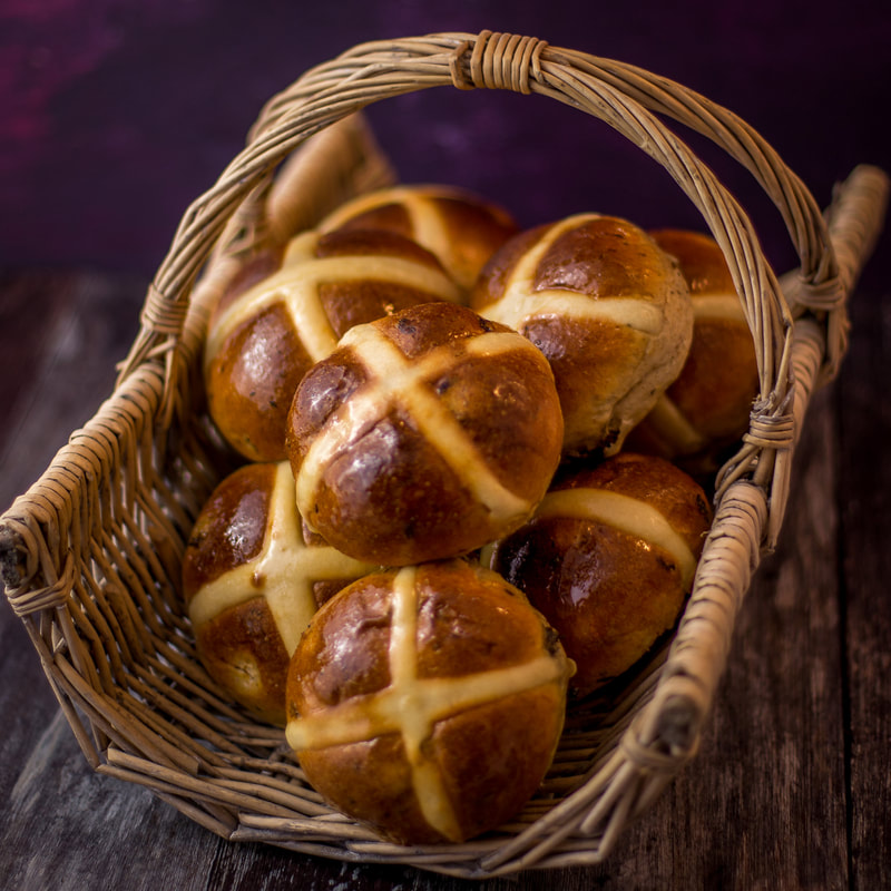 Traditional hot cross buns - WHITE COTTAGE BAKING SCHOOL