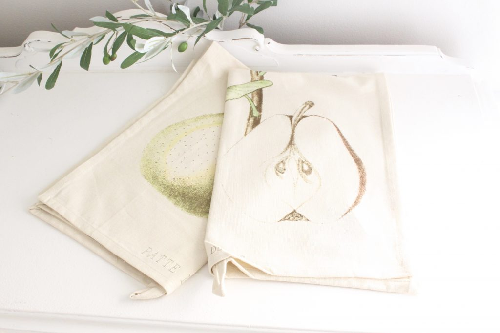 pears- tea towels- kitchen