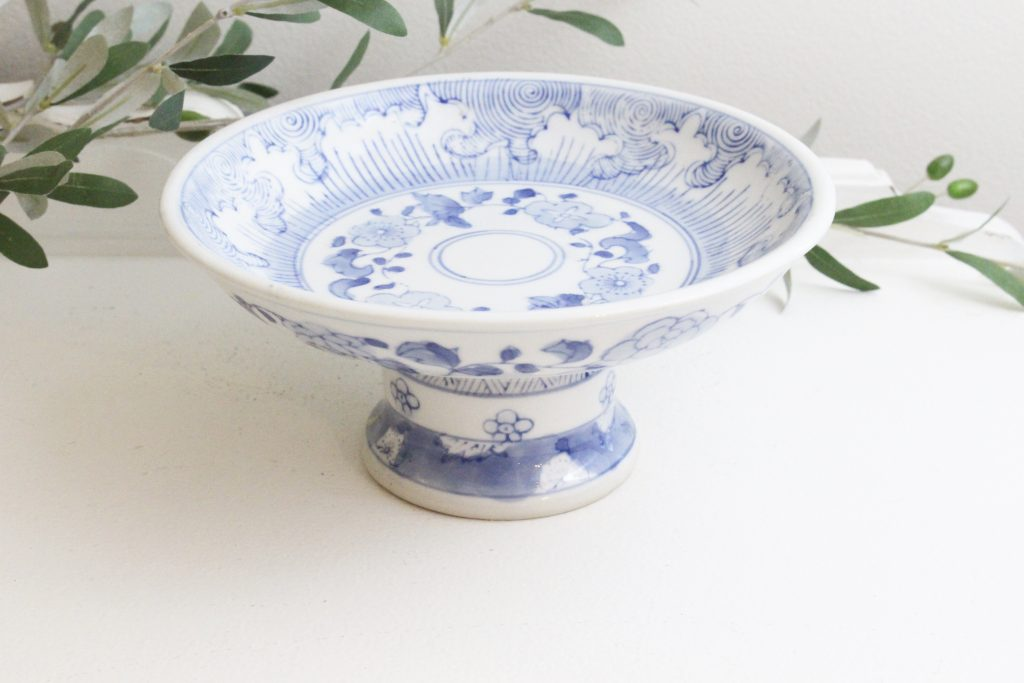 blue and white dishes, home decor, vintage goods, kitchen