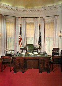 Oval Office History - 100 Gold Drapes In White House ...
