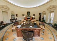 The gallery for --> George Hw Bush Oval Office