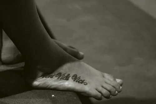 foot veni vidi vici tattoo inspiration
