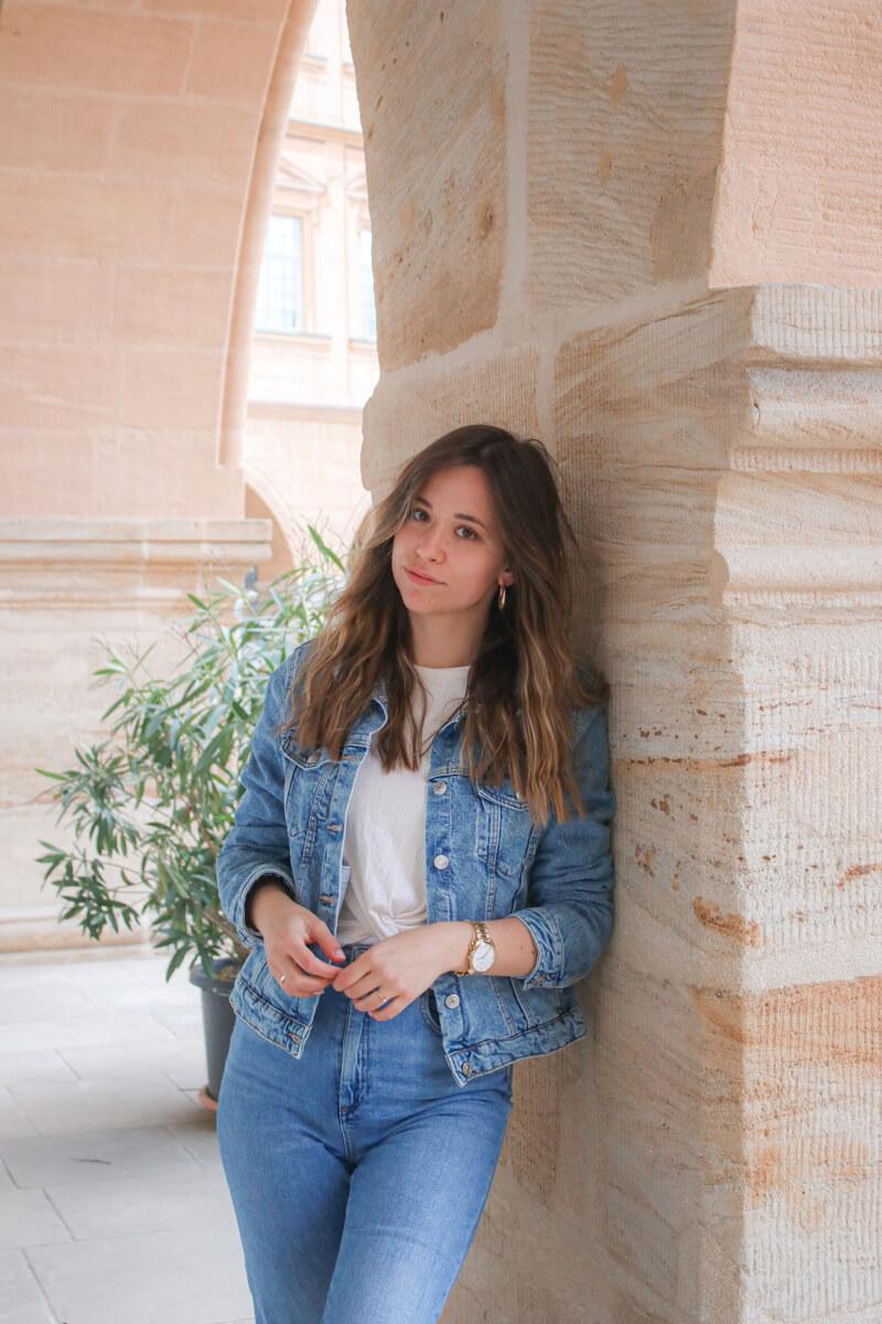 Jeansjacke finden, kombinieren und die aktuellen Jeansjacken Trends!