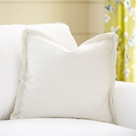 How to buy and purchase farmhouse pillows. The best farmhouse pillows ever www.whitepicketfarmhouse.com http://bit.ly/2kb4djy