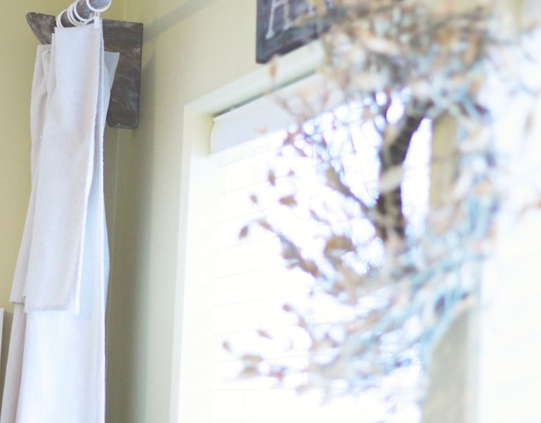 DIY Farmhouse Curtain Rod & Corbels