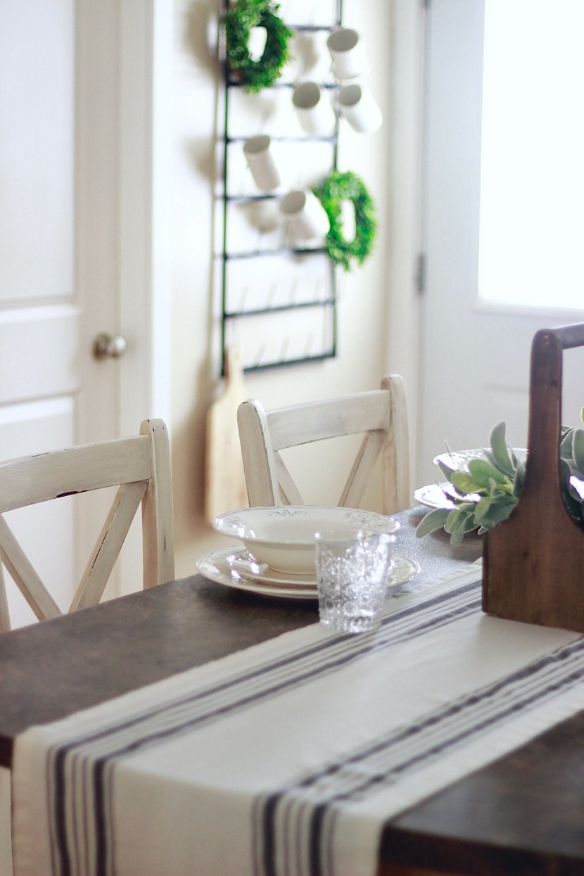 Turn New Furniture Into Farmhouse Distressed Furniture www.whitepicketfarmhouse.com http://bit.ly/2k5aNqS