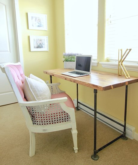 White Farmhouse Office and how I revamped it and made it my dream office for under 400 dollars www.whitepicketfarmhouse.com