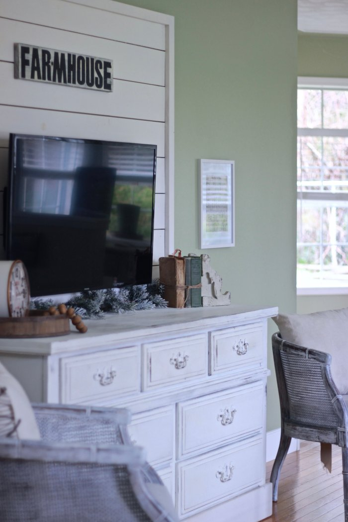 Top Six Ways To Make Your Home Cozy After Christmas. Ways we've made our home Cozy After Christmas and not missed the seasonal decor.   www.whitepicketfarmhouse.com #farmhousedecor #decoratingafterchristmas