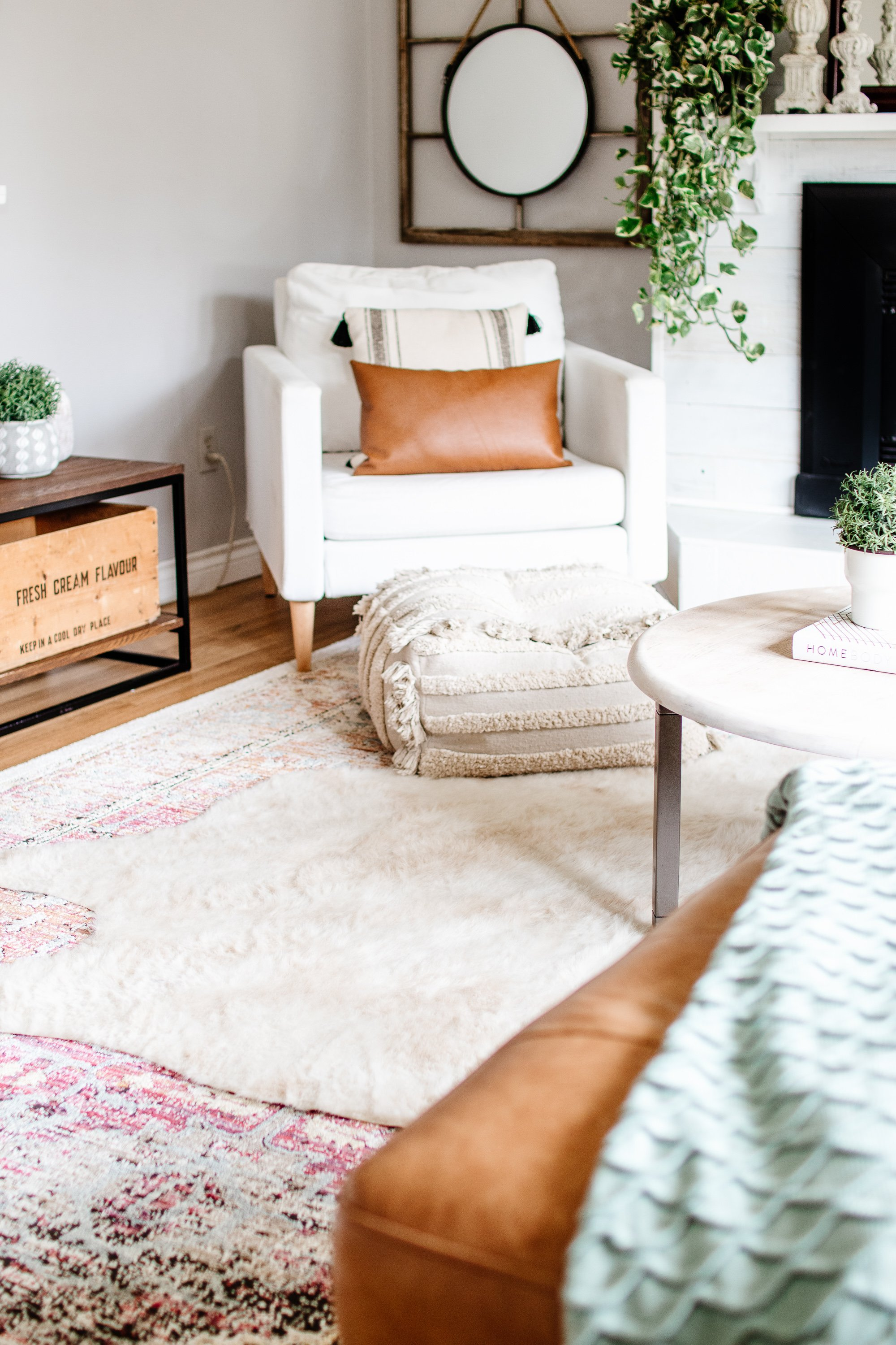 Spring Home Walk Through. Get Major Inspiration With These Canadian Home Decor Bloggers. Easy Spring Decorating For Cheap. Modern Bohemian Farmhouse Decor