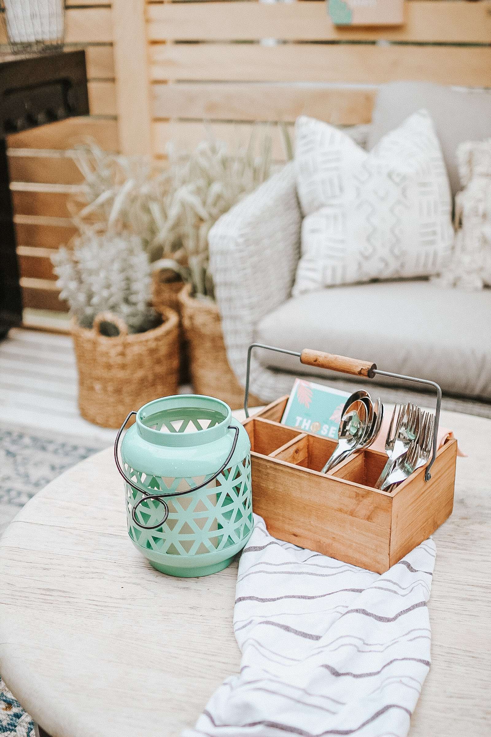 Decocrated the quarterly Home Decor Subscription Box. What's inside and how you can order!