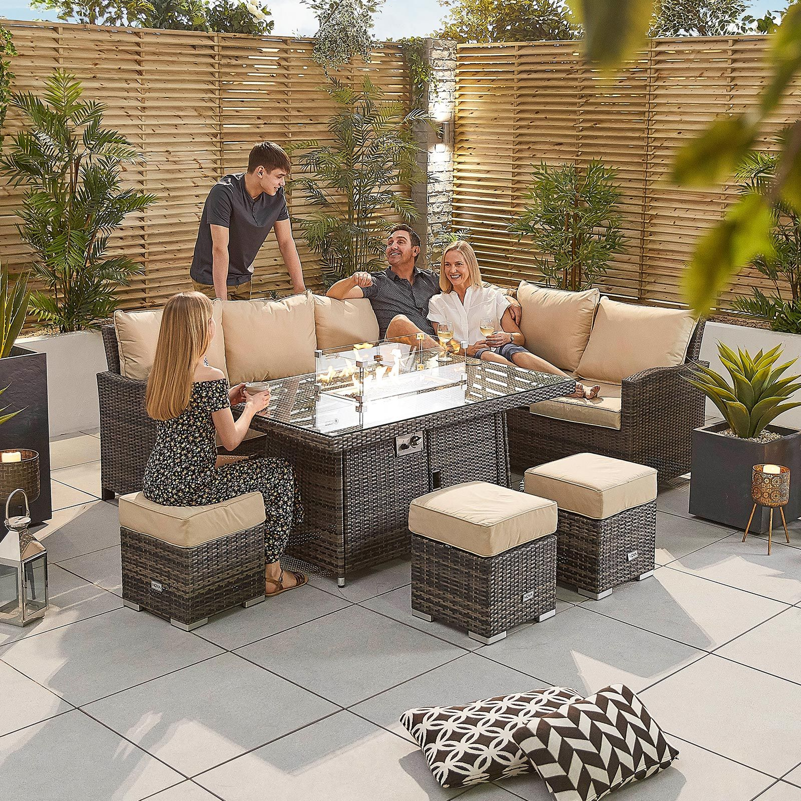 cambridge right hand casual dining corner sofa set with firepit table