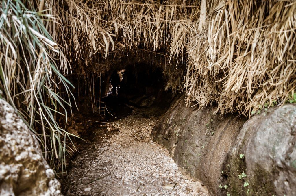 Jaskinia w Parku Ein Gedi