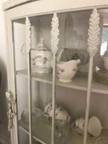 IMG 1664 e1504367830181 225x300 - A Vintage China Cabinet