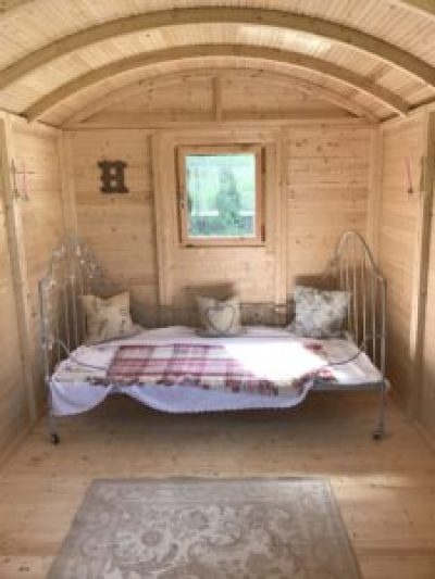 French iron bed 2 e1504252440445 225x300 - The Shepherds Hut - decorating the inside of beautiful Belle