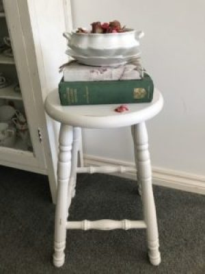 bar stool styling 2 e1515402391735 225x300 - Bar Stools - up-cycling and alternative uses around the home