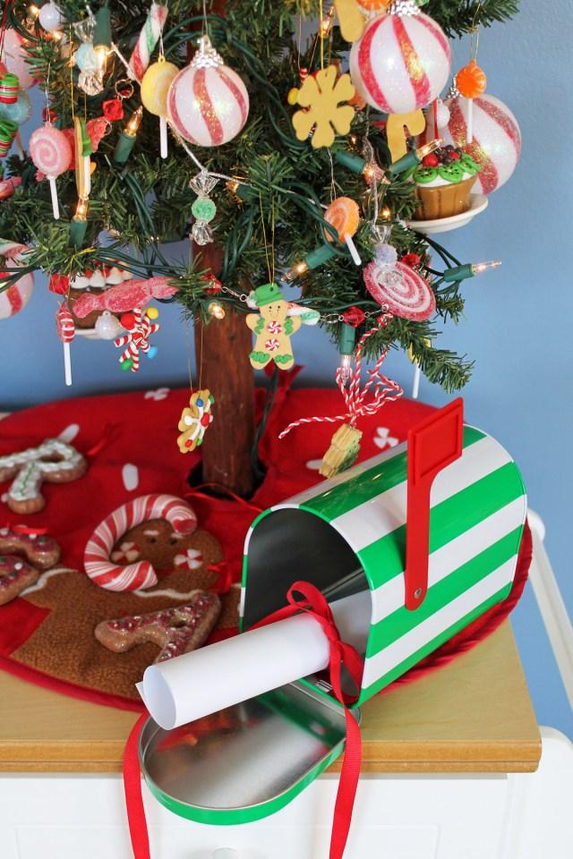 Santa Mailbox 02