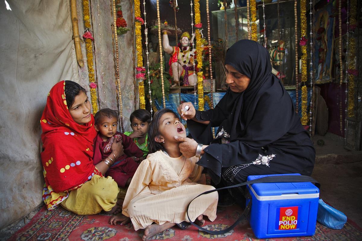 Pakistan and Afghanistan: the final wild poliovirus bastion