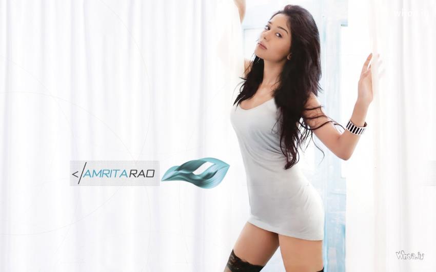 Cute Indian Girl Child Wallpaper Amrita Rao Hot Maxim Hd Wallpaper