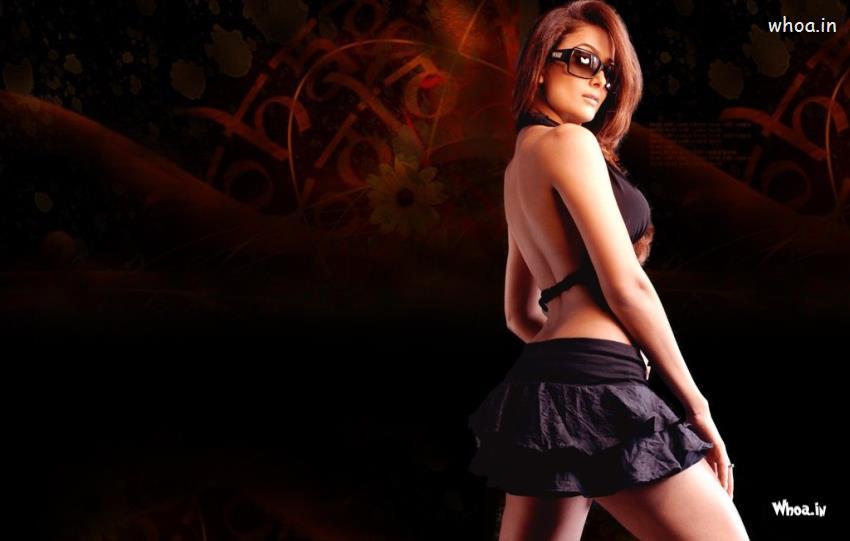New Cute Baby Girl Wallpapers Amrita Arora In Black Skirt Hot Hd Wallpaper
