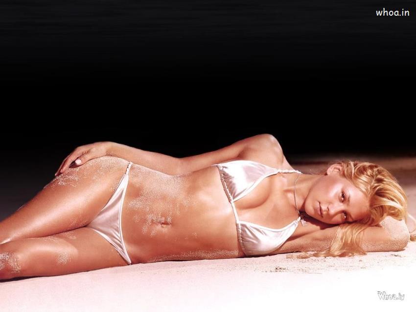 Anna Kournikova Lying In A Bikini Dark Hd Wallpapers
