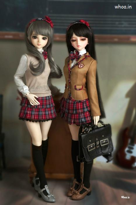 Boy And Girl Doll Wallpaper Barbie Doll Standing With Bag