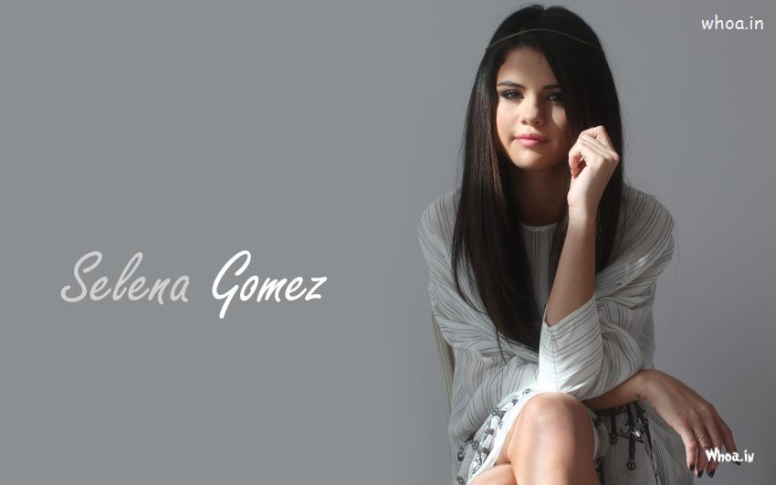 Cute Happy Teachers Day Wallpaper Selena Gomez Face Close Up