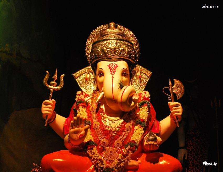 lord ganesha statue with