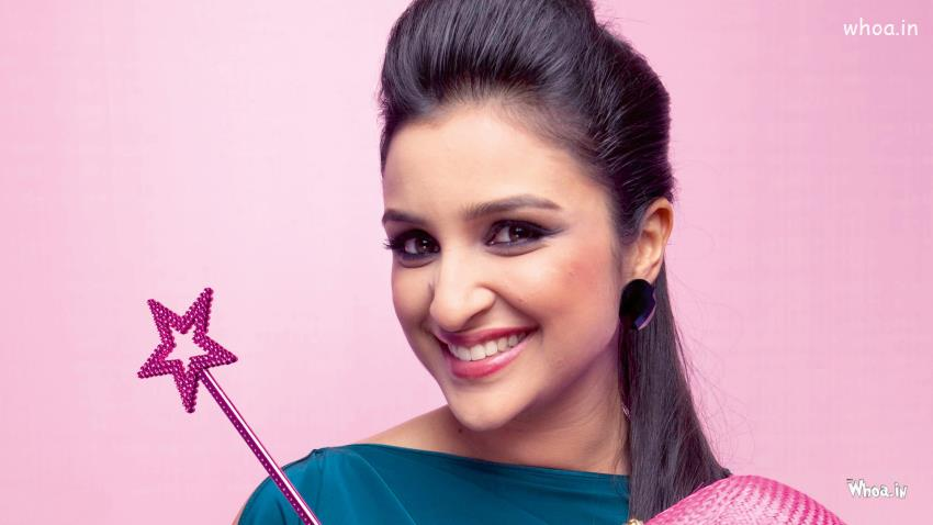 Happy Valentines Day Quotes Wallpapers Parineeti Chopra Smiley Face Closeup Hd Actress Wallpaper