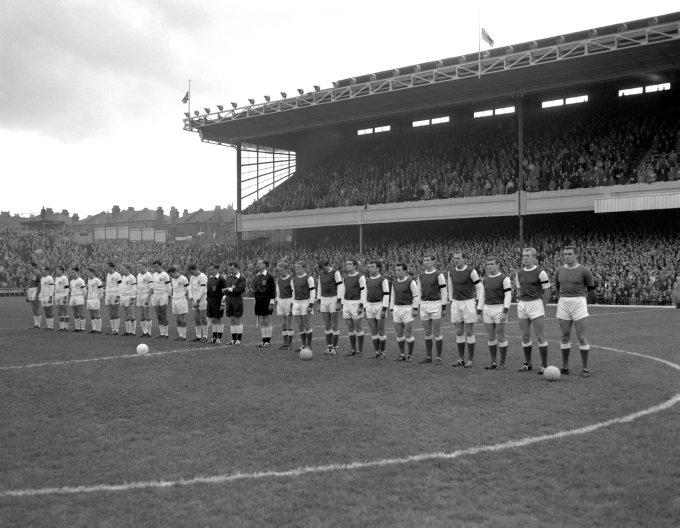 Soccer - Football League Division One - Arsenal v Blackpool - Highbury
