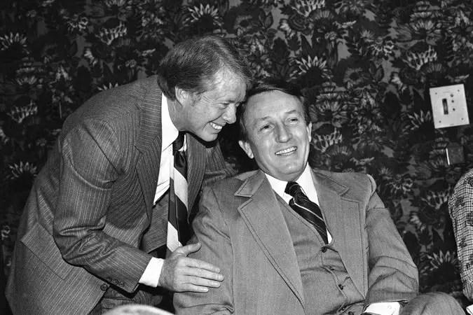 Dale L Bumpers dies at 90