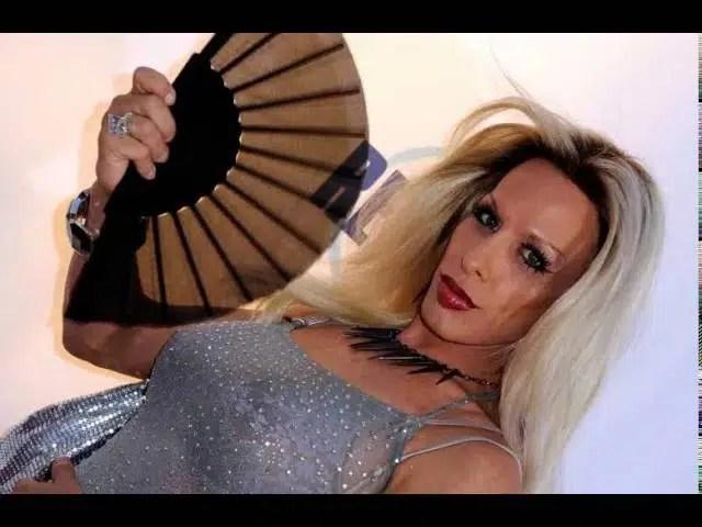 Alexis Arquette - transgender actress alexis arquette dies at 47 1