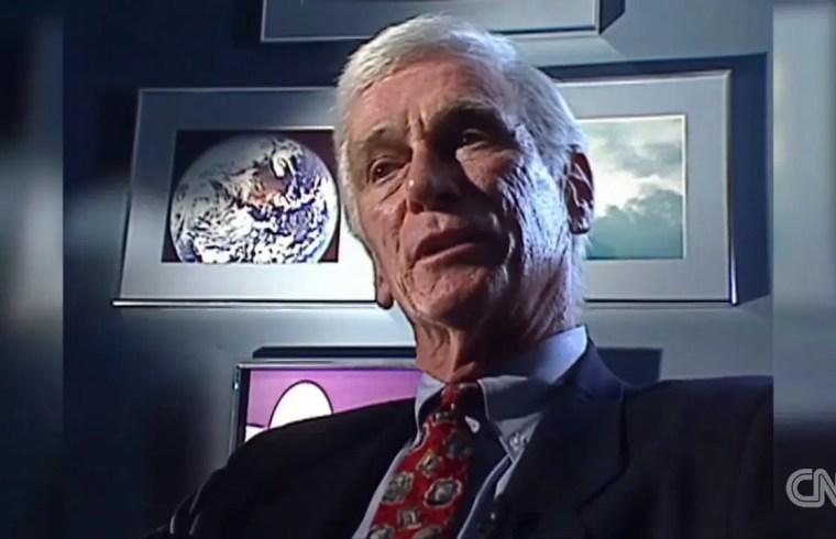 CNN - NEWS - Last man to walk the moon, Gene Cernan, dies 1