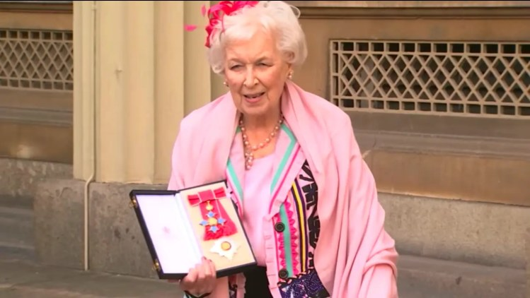 Dame June Whitfield Dead at 93 was Absolutely Fabulous Star