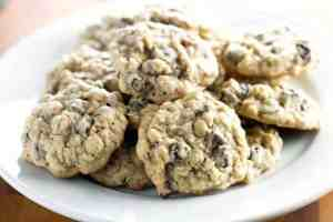 Oatmeal-Raisin-Cookies-with-Chocolate-Chips