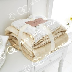 Cream Sofa Throws Cama Matrimonio Abatible Flannel Sherpa Throw