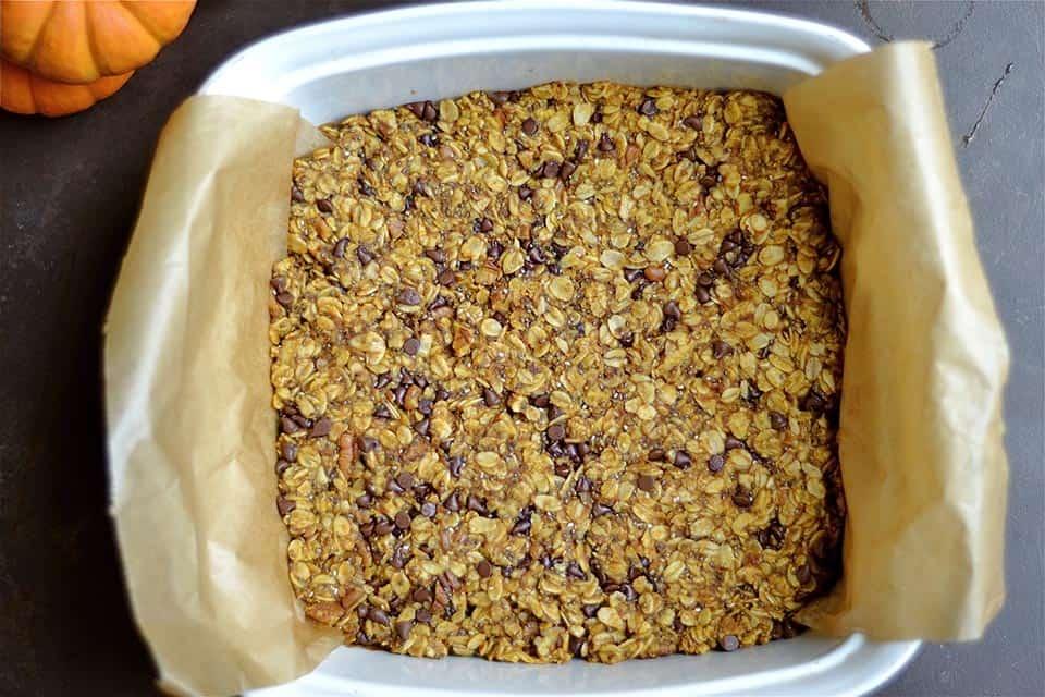 pumpkin-chocolate-chip-granola-bars-2