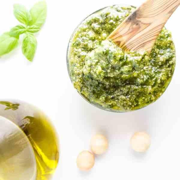 2Minute Macadamia Nut Pesto Low Carb Glutenfree