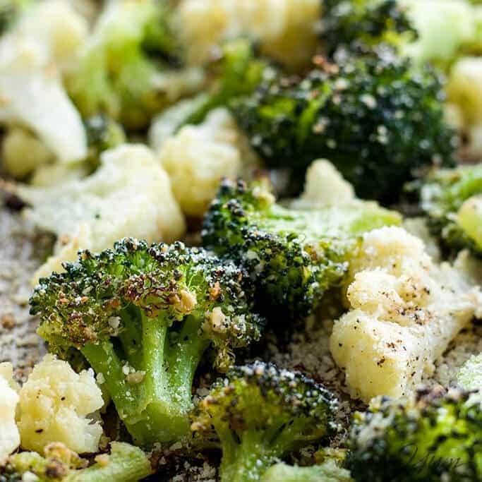 https://i0.wp.com/www.wholesomeyum.com/wp-content/uploads/2017/01/wholesomeyum_roasted-broccoli-cauliflower-recipe-with-parmesan-garlic-low-carb-gluten-free-2.jpg