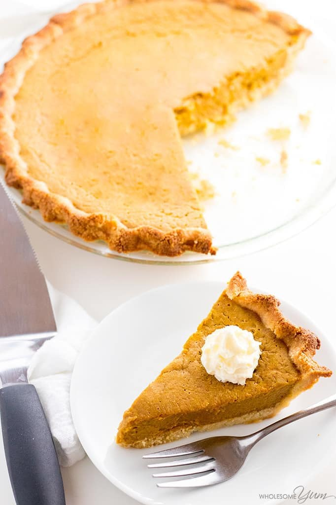 Easy Keto Low Carb Pumpkin Pie Recipe (Sugar-Free, Gluten-Free) - You only need a few ingredients for this easy keto low carb pumpkin pie recipe with almond flour crust. It will be your favorite sugar-free pumpkin pie!