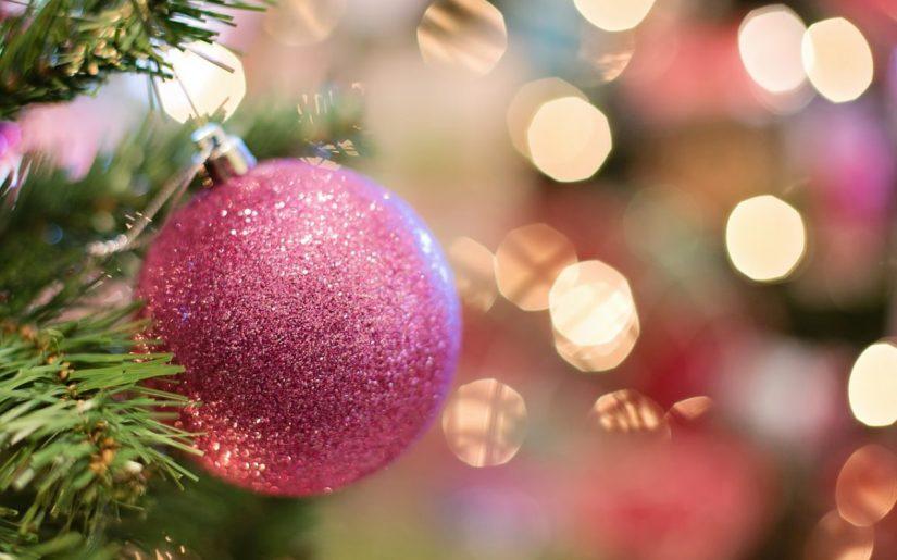 Christmas ornaments via pixabay