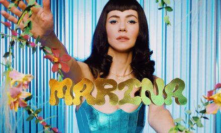 """Marina recuerda que """"no estás aquí para conformarte"""""""