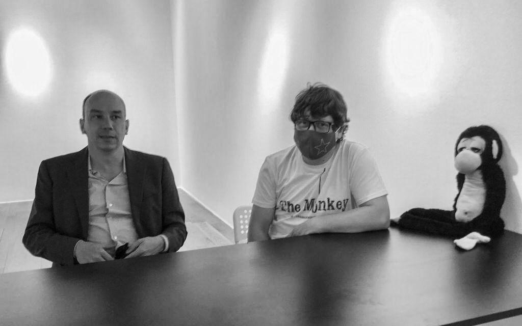 """ENTREVISTA   Xosé Zapata: """"El cortometraje 'The Monkey' nos muestra cómo el poder intenta aprovecharse del odio irracional contra el extranjero"""""""