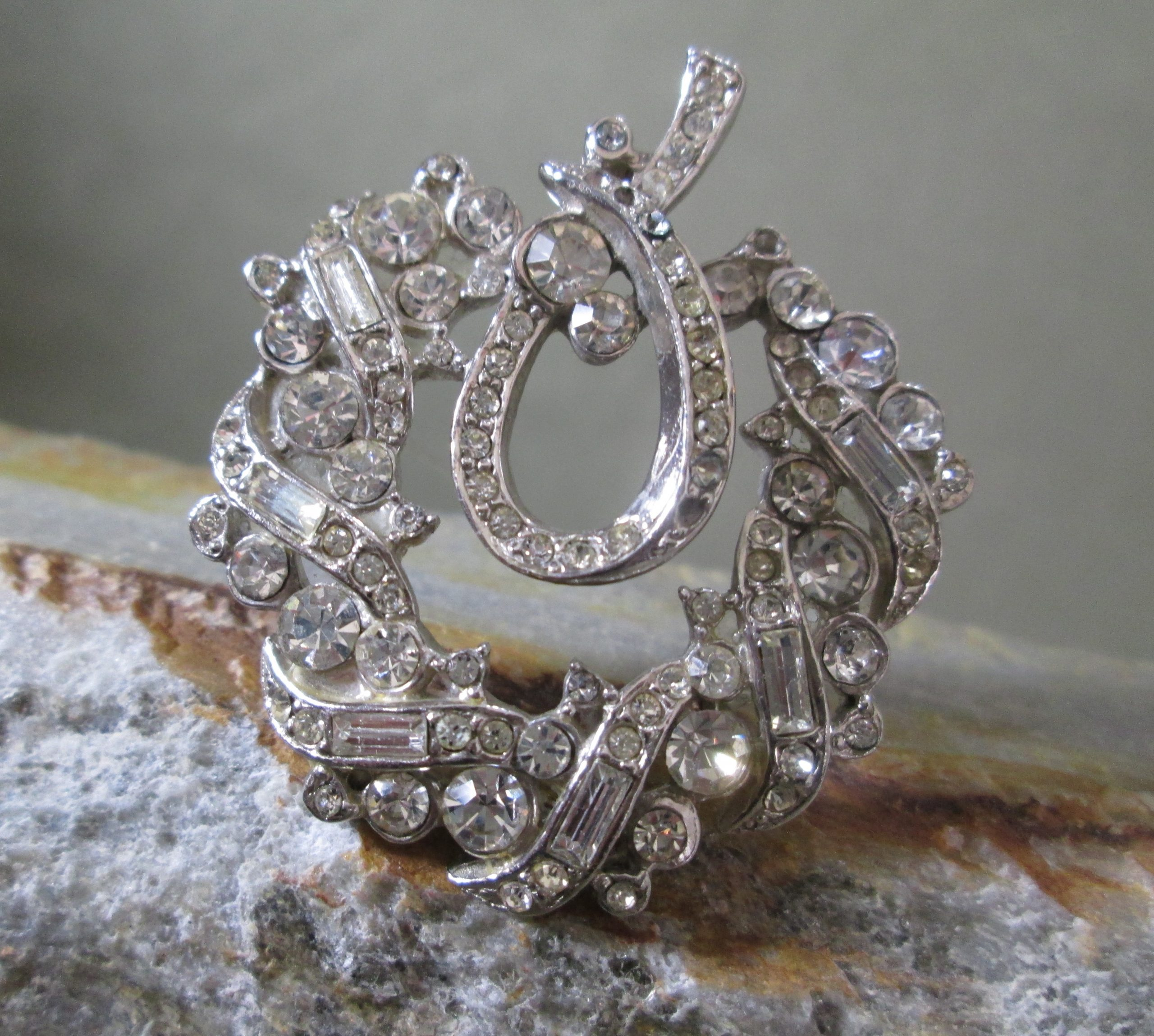 Rhinestone Wreath Brooch