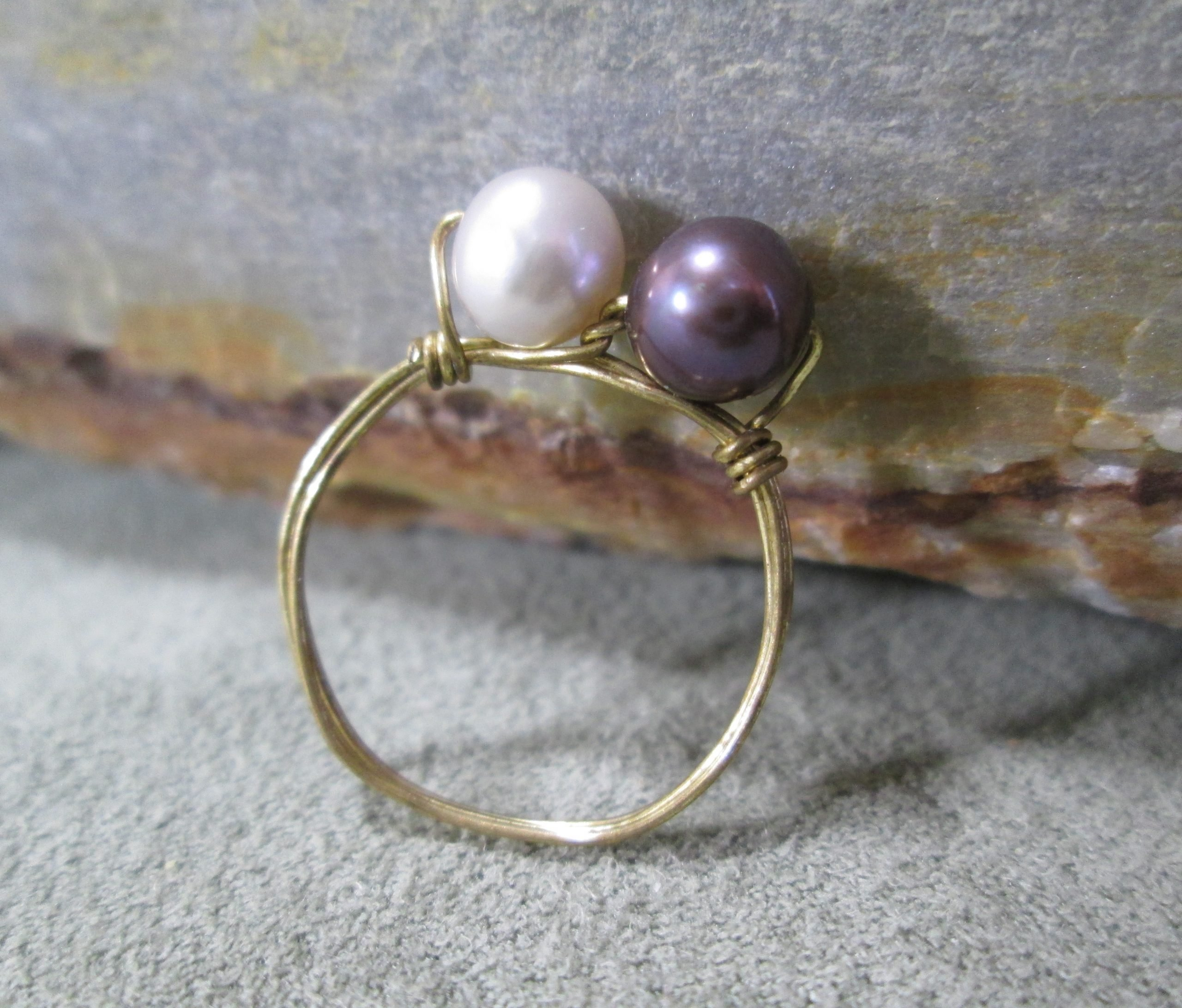 black and white pearl ring