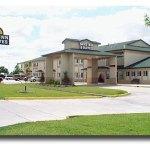 Days Inn & Suites
