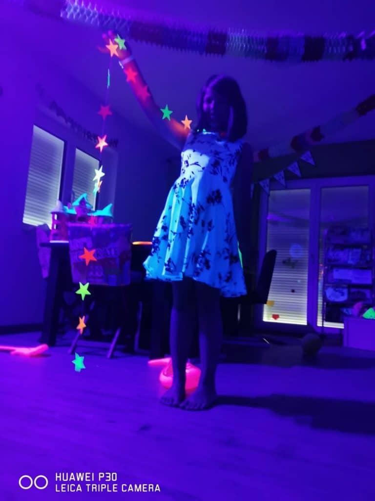 Schwarzlicht-Party für Kinder