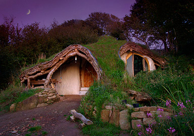 Hobbit house made of straw bales and creativity