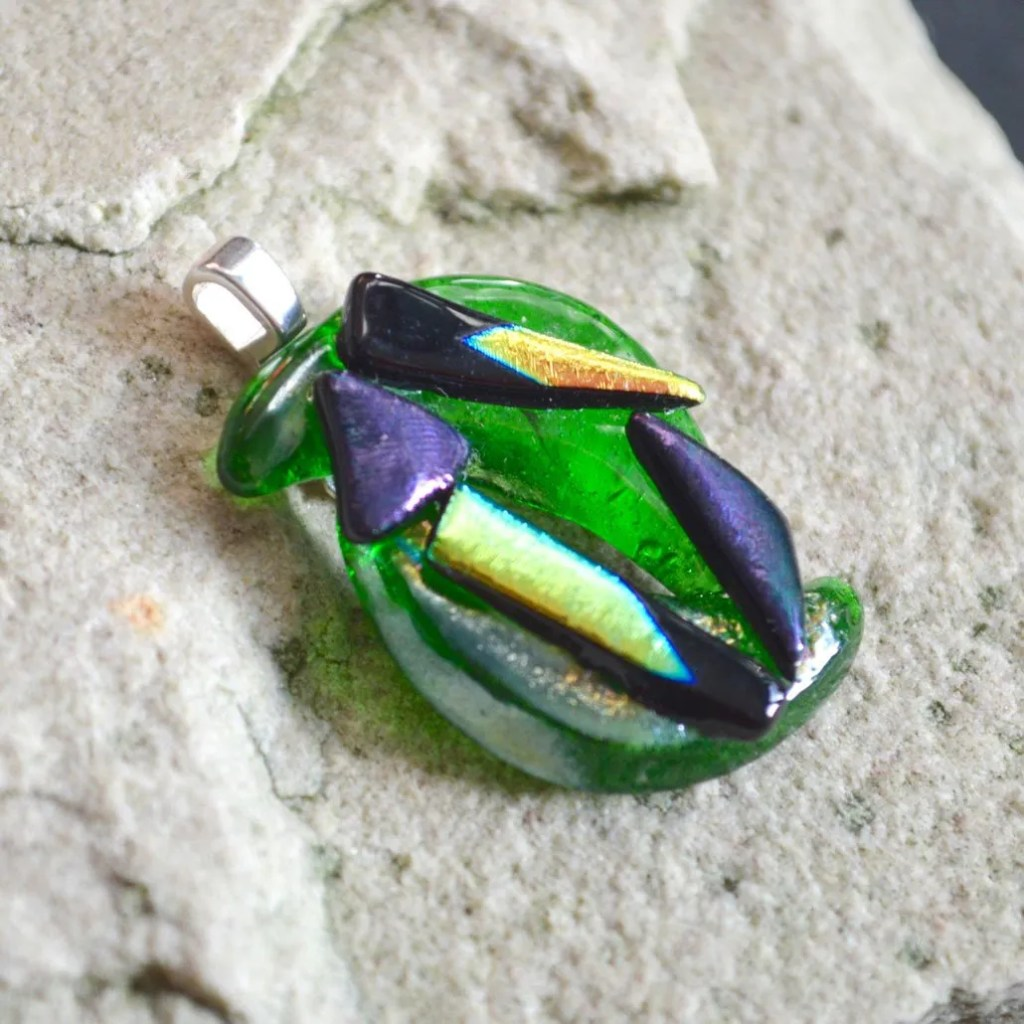 Wickstead's-AW-Designs-UK-Abstract-Bottle-Green-Dichroic-Glass-Pendant-(2)