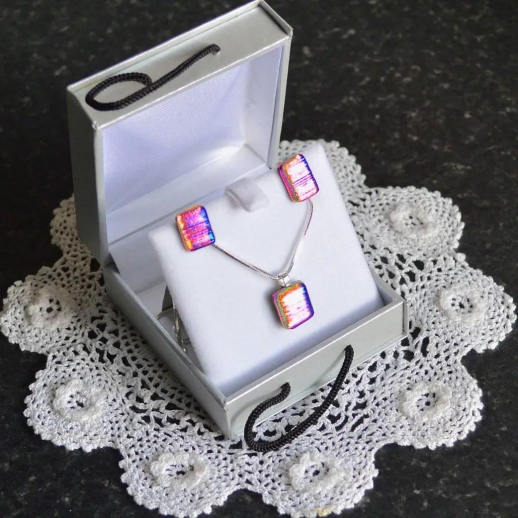 Wickstead's-AWDesignsUK-Cerise-Purple-Pink-Gold-&-Green-Dichroic-Glass-Stud-Earrings-&-Pendant-Necklace-Jewellery-Set-(5)